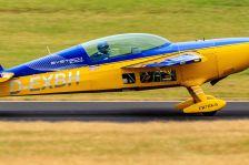 EXTRA 300XS